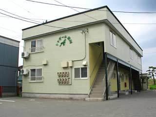 アパート 青森市新田1丁目 シャガール新田 2LDK
