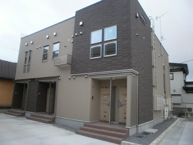アパート 青森市富田5丁目 ファースト・スクエア 1R