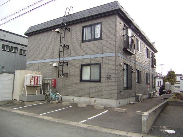 アパート 青森市桂木3丁目 ハイセレール秋桜 2LDK