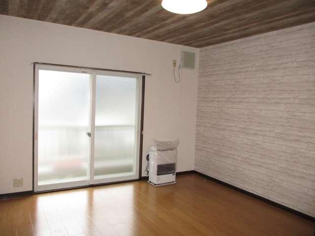 アパート 青森市自由ケ丘1丁目 Family House ココロ A 3DK