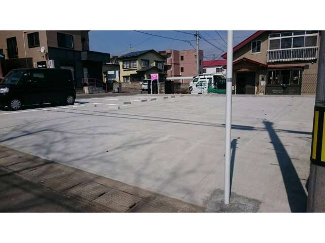 駐車場 弘前市中野(1丁目)6-10 足立駐車場