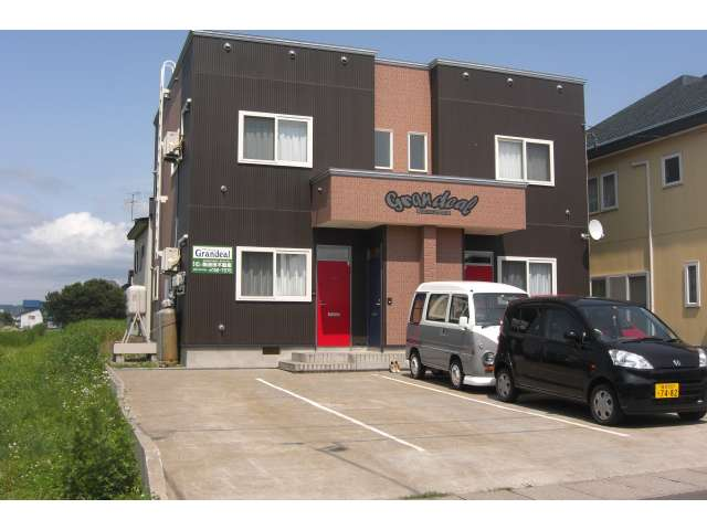 アパート 黒石市緑町4丁目139-1 グランディール 1LDK