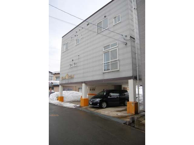 アパート 秋田県 湯沢市 清水町6丁目 Belle Rich 2LDK