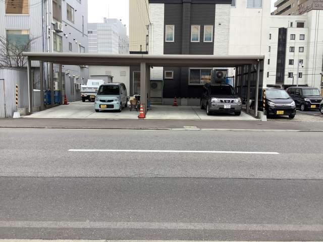駐車場 青森県 青森市 安方1丁目 安方屋根付き駐車場