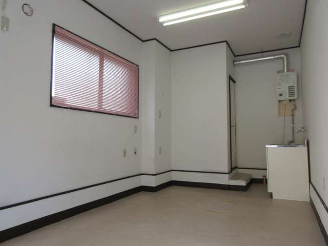 店舗(建物一部) 青森県 青森市 長島4丁目 長島4丁目貸店舗 1室